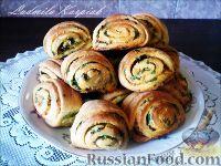 Фото к рецепту: Картофельно-сметанные булочки с зеленью.