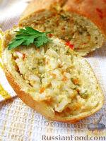 Фото к рецепту: Творожный рулет с начинкой из морепродуктов
