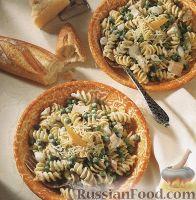 Фото к рецепту: Макароны с тунцом и горошком