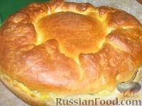 Фото к рецепту: Пирог с яйцом, рисом, плавленным сыром и зеленым луком