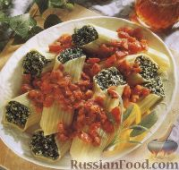 Фото к рецепту: Маникотти, фаршированные шпинатом и рикоттой