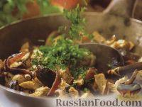Фото к рецепту: Жареное куриное филе с грибами