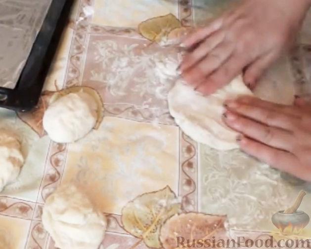 """Фото приготовления рецепта: Картошка """"фри"""" с яичным белком, запечённая в духовке - шаг №3"""