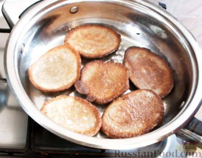 Фото приготовления рецепта: Вытяжное тесто фило в домашних условиях - шаг №12