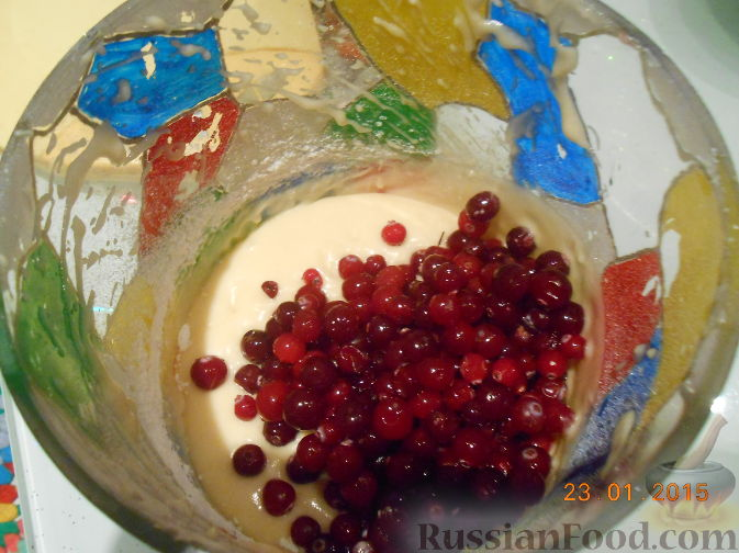 Фото приготовления рецепта: Кексы с клюквой - шаг №4