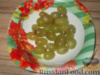 Фото приготовления рецепта: Канапе из фруктов с сыром - шаг №4