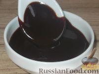 Фото приготовления рецепта: Шоколадная глазурь для всех тортов - шаг №6