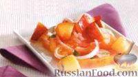 Фото к рецепту: Салат из томатов, нектарина и лука