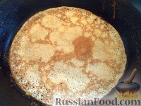 """Фото приготовления рецепта: Блинчики """"Бархатные"""" на молоке - шаг №11"""