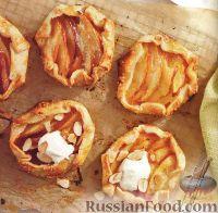 Фото к рецепту: Песочные корзинки с нектарином