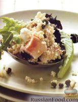 Фото к рецепту: Куриный салат с кускусом и базиликом
