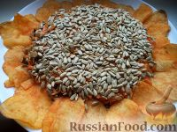 Салат с семечками подсолнуха и морковью
