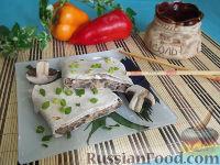 Фото к рецепту: Рулет из лаваша с грибами и сыром