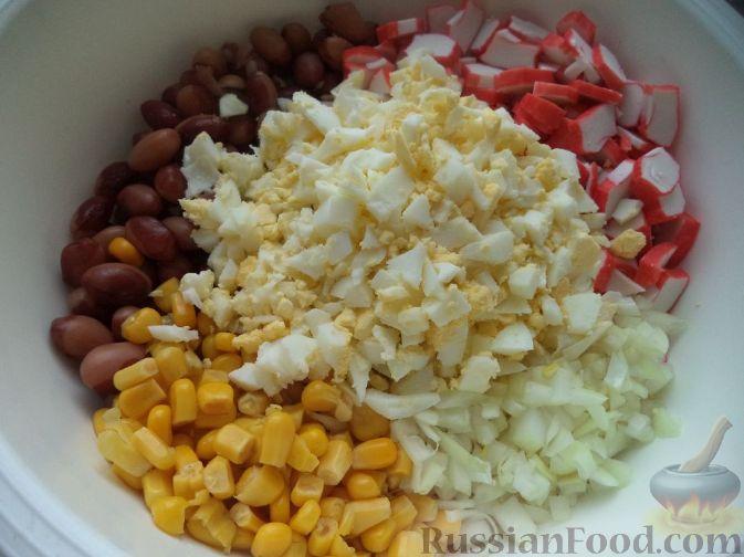 салат с фасолью и кукурузой и крабовыми палочками