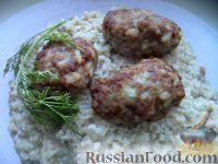 Фото к рецепту: Мясные котлеты с рисом