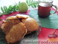 Фото к рецепту: Оладьи с яблоками и корицей
