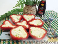Фото к рецепту: Болгарский перец с плавленым сыром