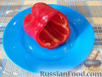 Фото приготовления рецепта: Болгарский перец с плавленым сыром - шаг №4