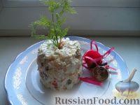 """Фото к рецепту: Салат """"Оливье"""" с куриной грудкой"""