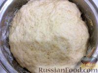 Фото приготовления рецепта: Тесто на дрожжах для пирогов и пирожков - шаг №7