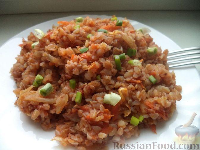 Фото приготовления рецепта: Витаминный салат из моркови, яблок, фиников и орехов - шаг №10
