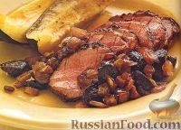 Фото к рецепту: Свиное филе, запеченное с инжирным соусом