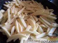 Фото приготовления рецепта: Хрустящий жареный картофель - шаг №2