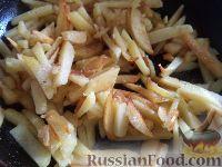 Фото приготовления рецепта: Хрустящий жареный картофель - шаг №4