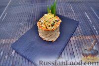 Фото к рецепту: Салат с говяжьим языком, с пикантным лёгким соусом