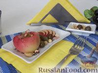 Фото к рецепту: Запеченные яблоки с орехами и виноградом