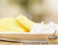 Фото к рецепту: Жареный сыр халлуми с соусом дзадзики