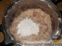 Фото приготовления рецепта: Картофельно-куриные оладьи - шаг №7