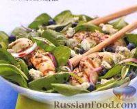 Фото к рецепту: Шпинатный салат с курицей и черникой