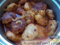 Фото к рецепту: Тефтели из семги в томатном соусе