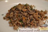 Фото к рецепту: Гречневая каша с мясом и грибами