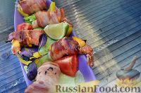 Фото приготовления рецепта: Тигровые креветки, с сыром чеддер и беконом - шаг №2