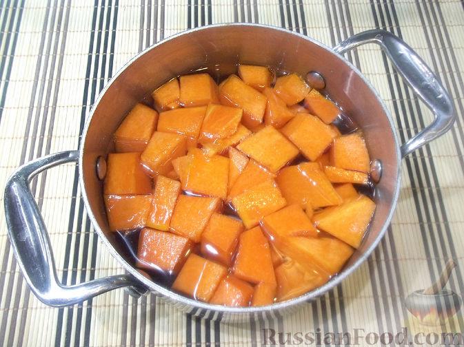 Фото приготовления рецепта: Тыквенная запеканка с яблоками - шаг №1