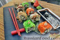 Фото к рецепту: Сет роллов с морепродуктами