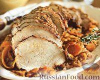 Фото к рецепту: Свиная вырезка, тушенная с капустой