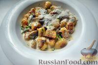 Фото к рецепту: Ньокки в сливочно-грибном соусе
