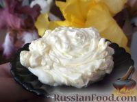 Фото к рецепту: Крем сливочный со сгущенным молоком