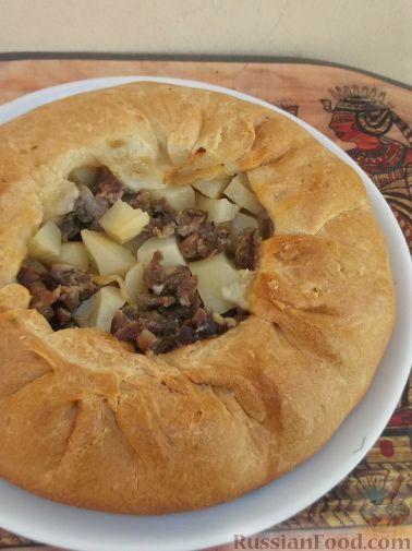 Как испечь пирог с мясом и картошкой