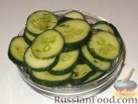 Фото к рецепту: Малосольные огурцы за 5 минут