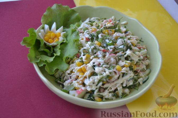 Салат с сухариками и крабовыми палочками с огурцом — photo 8