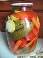 Фото к рецепту: Маринованное овощное ассорти