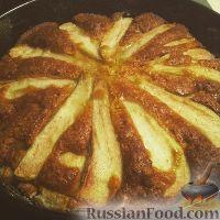 Фото к рецепту: Шарлотка с грушами
