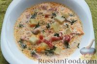 Фото к рецепту: Сливочный суп с форелью или семгой