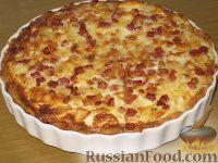 Фото к рецепту: Луково-яблочный пирог с грудинкой