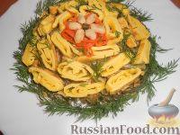 Фото к рецепту: Салат с омлетом, грибами и фасолью
