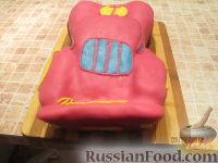 """Фото приготовления рецепта: Торт """"Машинка Маккуин"""" (Тачки) (пошагово) - шаг №31"""